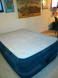 Queen size blow up are mattress  Elkhart, 46514