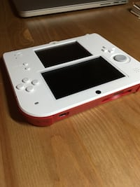 White/red nintendo 2ds with 3 epic games 芝加哥, 60613