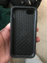 Otter box iphone 7 symmetry series case