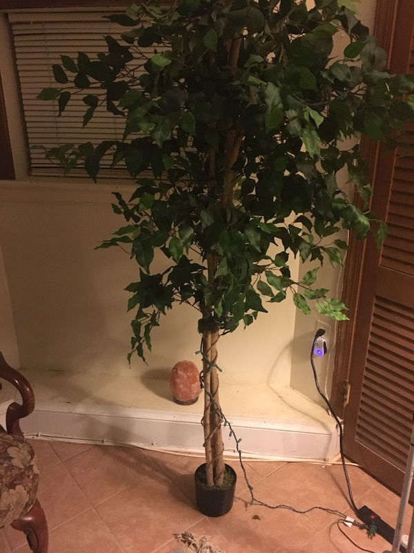 5/6 ft artificial tree- new