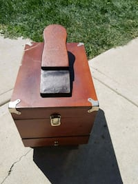 Vintage shoe shine box and kit Calgary, T2Z 4G5
