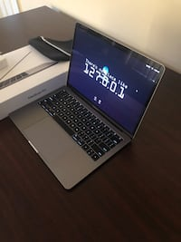 "Apple - MacBook Pro® - 13.3"" Display 39 km"