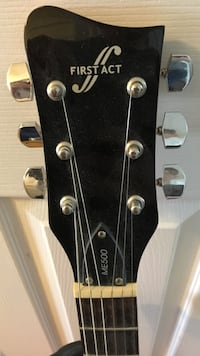 First act me500 beginners electric guitar. Richmond Hill, L4S 1V9
