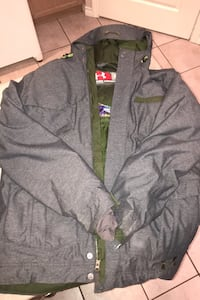 Under Armour Men's Small winter/snow board coat... LIKE NEW!! Langley, V1M 3Y8