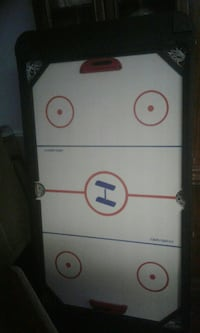 Air hockey, ping pong and fouse ball table Selkirk, N0A 1P0