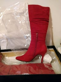 Red scrunch boots 71/2  Point of Rocks, 21777