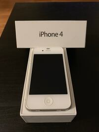 iPhone 4 - White 8gb - $40/OBO Burnaby, V3N 4P4