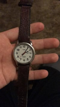 round silver-colored analog watch with black leather strap Lansing, 48917