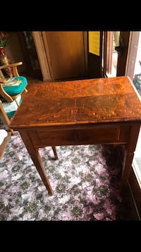 Antique burled walnut sewing table or occasional table Biloxi, 39532