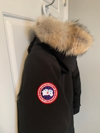 Authentic Ladies Canada Goose Kensington Parka - Save $360.  Spruce Grove, T7X 0A7