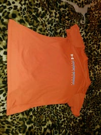 Orange Under Armour t-shirt medium