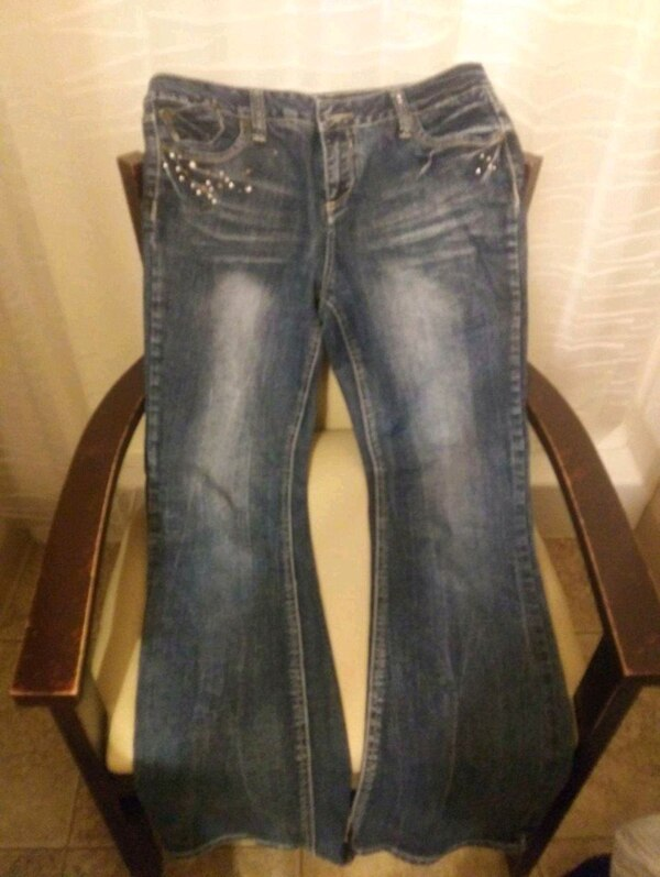 ef5abf8b0fb Used Elizabeth Grace Womens Jeans for sale in Bismarck - letgo