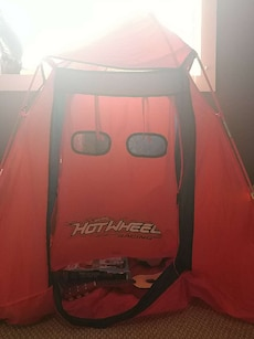 Hot wheel tent with case