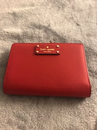 Kate spade wallet never been used..  Toronto, M4H 1E3
