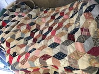 Patchwork quilt handmade vintage Youngstown, 44514