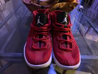 pair of red Nike basketball shoes El Monte, 91731