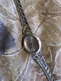 Two tone watch needs battery . Covina, 91722