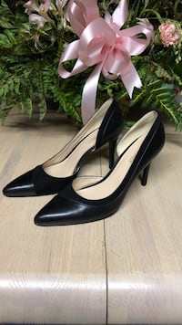 pair of black leather pump stilettos Freedom, 15042