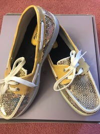 Maui island sequin boat shoes women's size 6 .. new