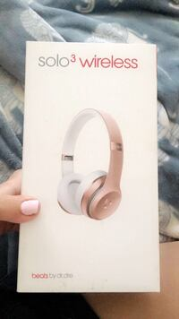 white Beats by Dr Los Angeles, 91331
