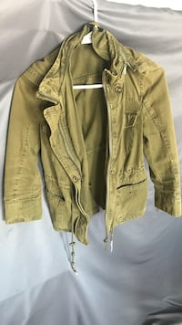 Army green zip up jacket Mississauga, L5M 7P3