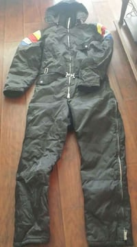 Snowboarding clothes size 44 Price $50