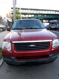 Ford - Explorer - 2006 año millas 110  New York