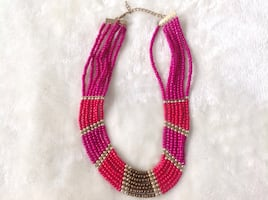 Beautiful Beaded necklace in excellent condition