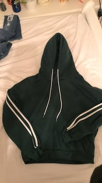 Zaful hoodie (size M) never worn Maple Ridge, V2W 2A1
