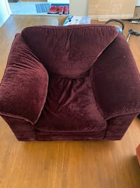 Super Comfortable Single Seater Couch Ottawa, K2E 5A9