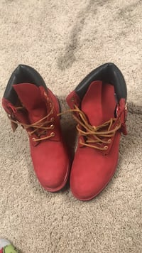 pair of red leather work boots Cincinnati, 45236