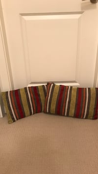 2 striped accent pillows  Surrey, V3Z