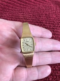 Vintage Ladies Pulsar Watch.  Runs great.  New battery.  Great piece of the past.  Gold colored band with gold colored face.  Great piece of jewelry for the woman in your life.