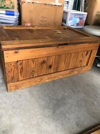 Brown wooden chest Grimesland, 27837