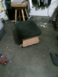Rocking foot stool  Fresno, 93703
