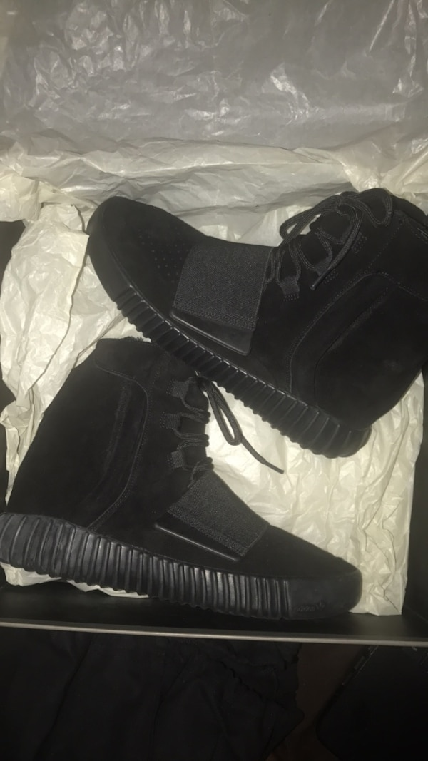 4af22ad0a Used pair of black Adidas Yeezy Boost 350 for sale in Decatur - letgo