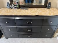 Queen size bed with dresser and night stand Edmonton, T6X 1L1