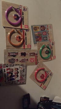 one direction stuff in blister packs Toronto, M3M 2C3