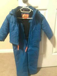 Snow suit for 2T.  Great condition  Kitchener