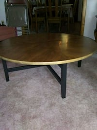 oval brown wooden coffee table Knoxville, 37934