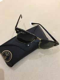 black Ray-Ban Clubmaster sunglasses with pebble leather case Brampton, L6T