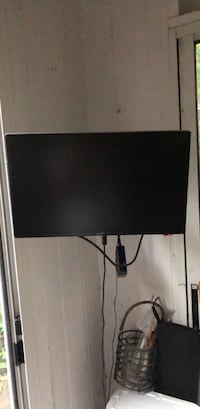 "Television 19"" with DVD player and wall mount"