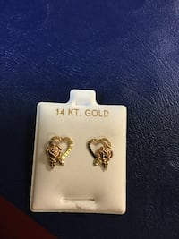 14 Kt gold/ heart earrings Norfolk, 23503