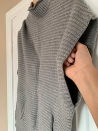 High collar knit fitted poncho style sleeveless sweater top Brampton, L6R 0E2
