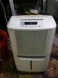 Frigidaire humidifer Clifton