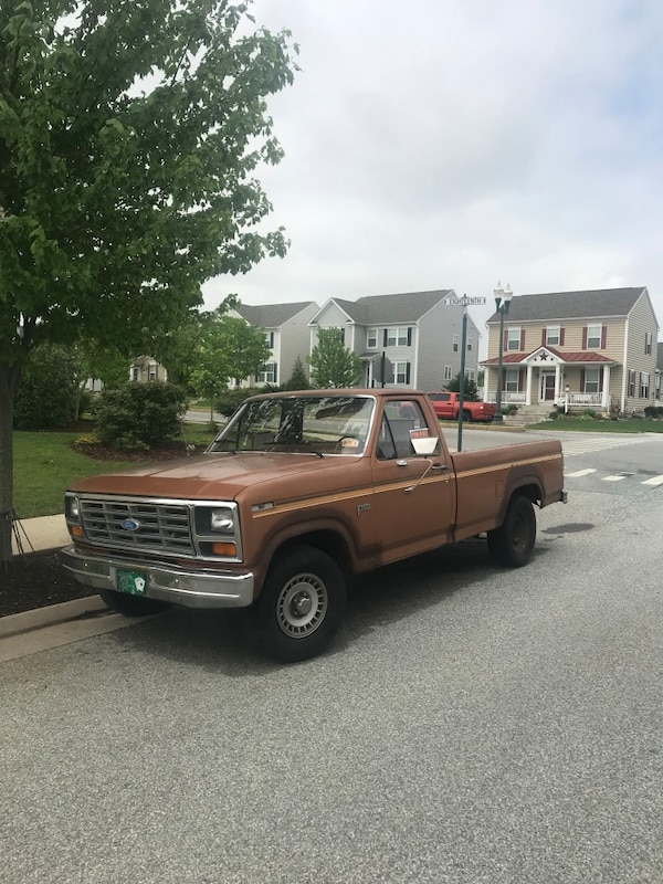 82 150 2x4. 4.9 motor automatic location Charles town WV $ $