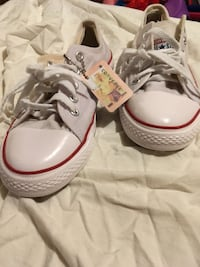 pair of white Converse All Star low-top sneakers Clarendon, 28432