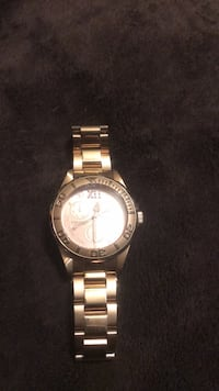 Watch. Color is rose gold. In I take angel San Antonio, 78231