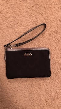 black Michael Kors leather crossbody bag Mississauga, L5M 7H7