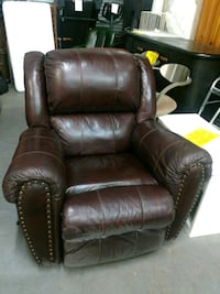 brown leather recliner sofa chair Miami, 33150